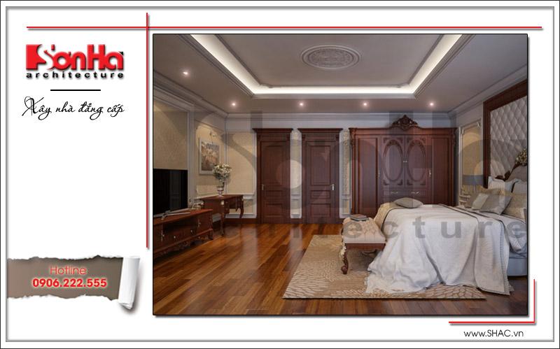 Phòng ngủ rộng có thiết kế nội thất cổ điển tiện nghi dành cho vợ chồng chủ đầu tư của biệt thự tại Quảng Ninh
