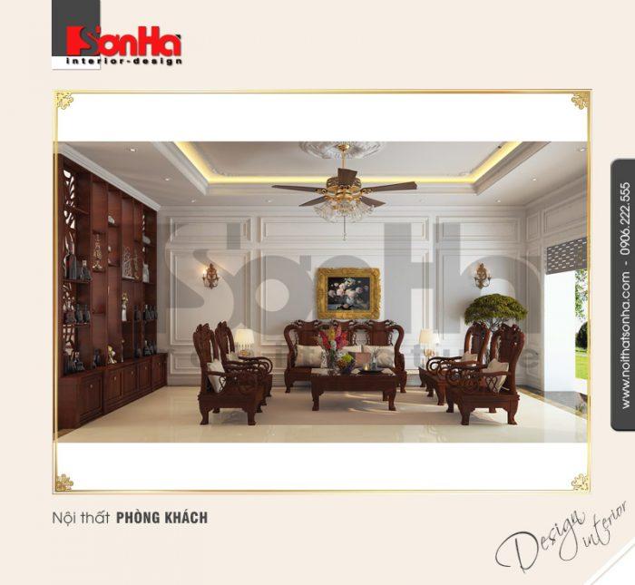 Thiết kế phòng khách nhà phố phong cách cổ điển được giản lược với phào chỉ giản dị sáng màu