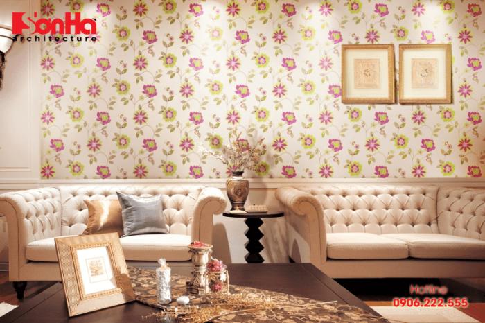 Mẫu nội thất cổ điển càng thêm sang trọng với giấy dán tường hoa văn thanh nhã