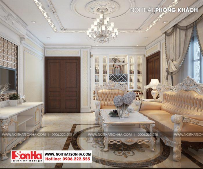 Không gian nội thất phòng khách được sử dụng chủ đạo màu vàng hoàng kim