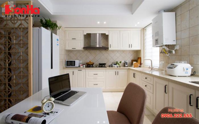 Không gian nội thất phòng bếp đẹp với tủ bếp chữ L gỗ laminate