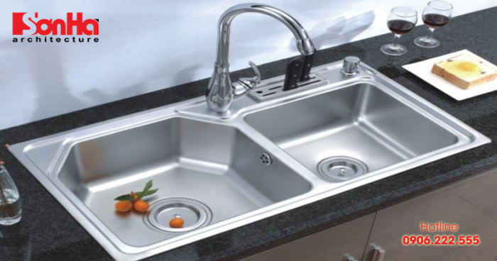 Khu vực chậu rửa nằm ở khu vực trung tâm trong không gian nhà bếp