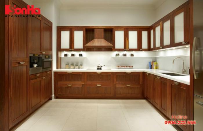 Với không gian phòng bếp rộng rãi bạn có thể chọn tủ bếp chữ U