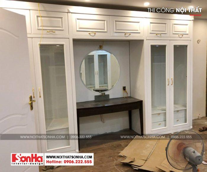 Tủ đựng đồ kết hợp bàn trang điểm gỗ công nghiệp sơn màu trắng