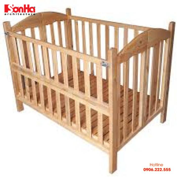 Giường cũi trẻ em thường được làm bằng gỗ nên rất chắc chắn