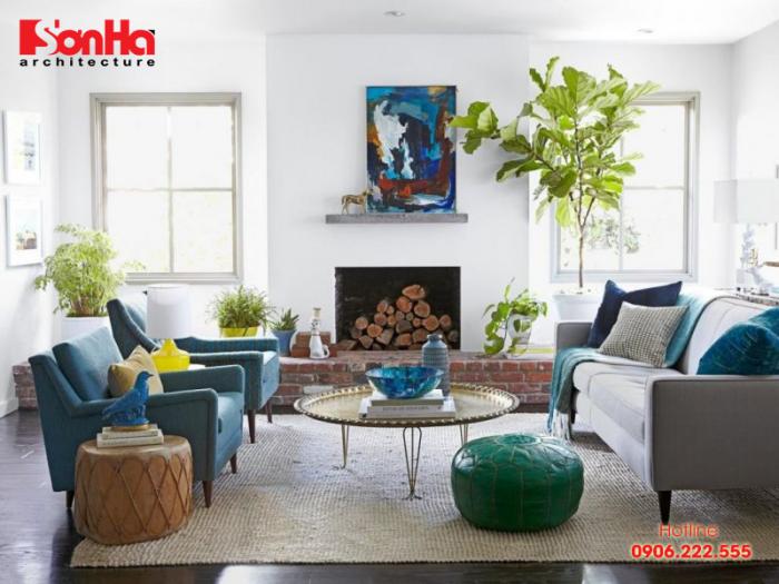 Phòng khách cũng có thể trang trí thêm cây xanh nhưng cần chú ý chủng loại