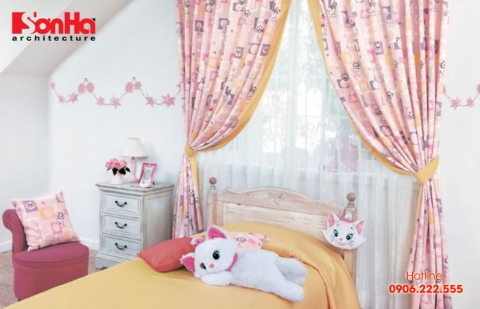 Rèm là một phần thiết kế quan trọng trong phòng ngủ của trẻ em