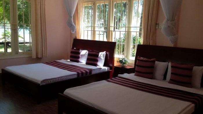Giường đôi nhỏ (Double bed) có kích thước tiêu chuẩn là 1,5x2m