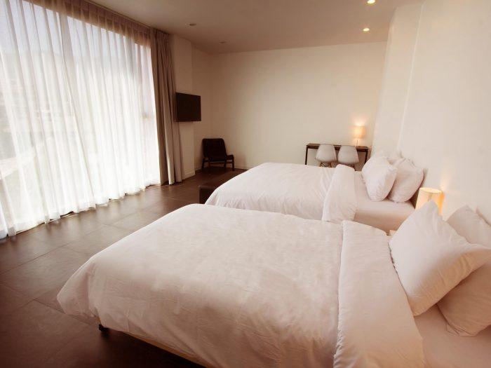 Giường đơn là loại giường dành cho một người nằm có kích thước chuẩn là 1x1,9m