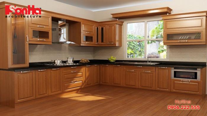 Tủ bếp chữ L bằng gỗ tự nhiên rộng lớn cho căn bếp thêm khang trang