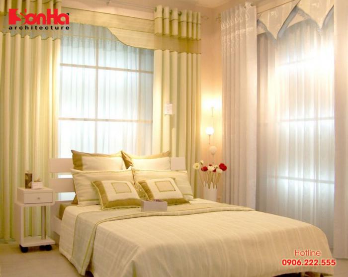 phòng ngủ đẹp hiện đại sang trọng với gam màu vàng hoàng kim