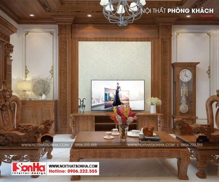 Phủ gần như hết không gian phòng khách là đồ nội thất gỗ tạo hình đẹp