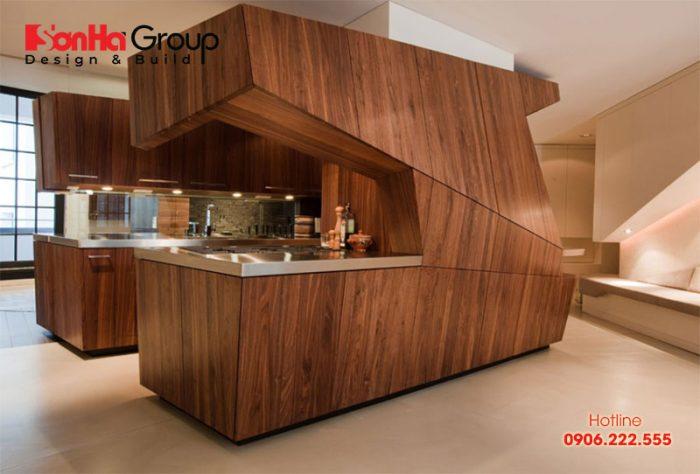 Veneer được lạng mỏng từ các thân cây gỗ tự nhiên lớn nên có bề dày mong manh