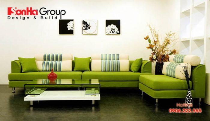 Màu xanh lá làm nổi bật bừng sáng không gian phòng khách, đặc biệt phù hợp với người mệnh Hỏa