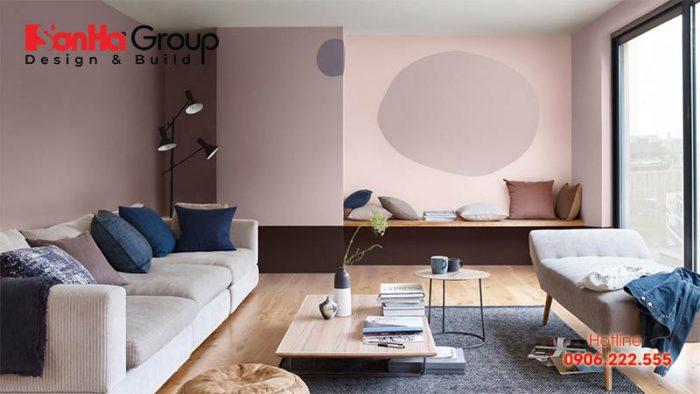 Tông màu hồng kết hợp với màu tím nhạt mang đến không gian đầy sức sống cho phòng khách của bạn