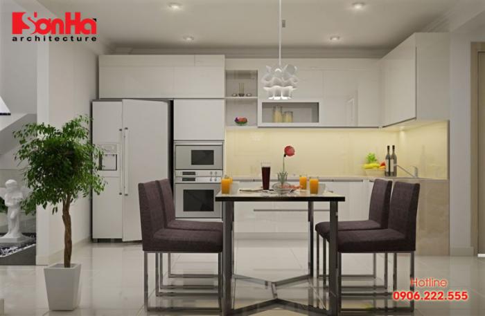 Cách trang trí nhà bếp với đồ nội thất sáng màu kết hợp hài hòa